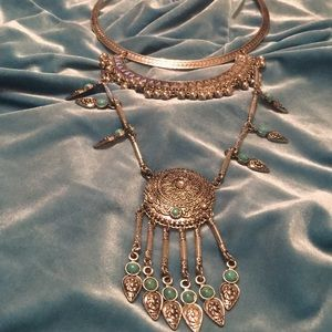 VTG silver & blue statement necklace